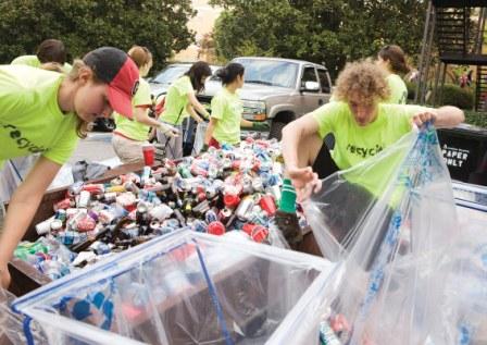 personas reciclando2